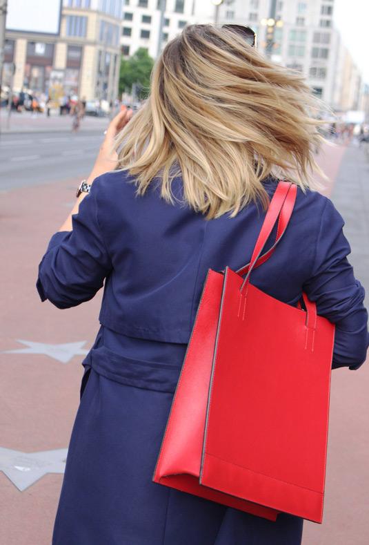 Street Fashion Berlin red Soofre Shopper Bag