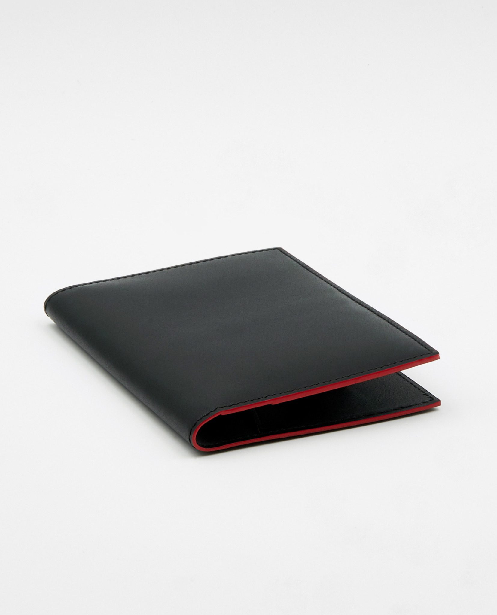 Soofre Smooth Leather Passport Holder Color Black Red