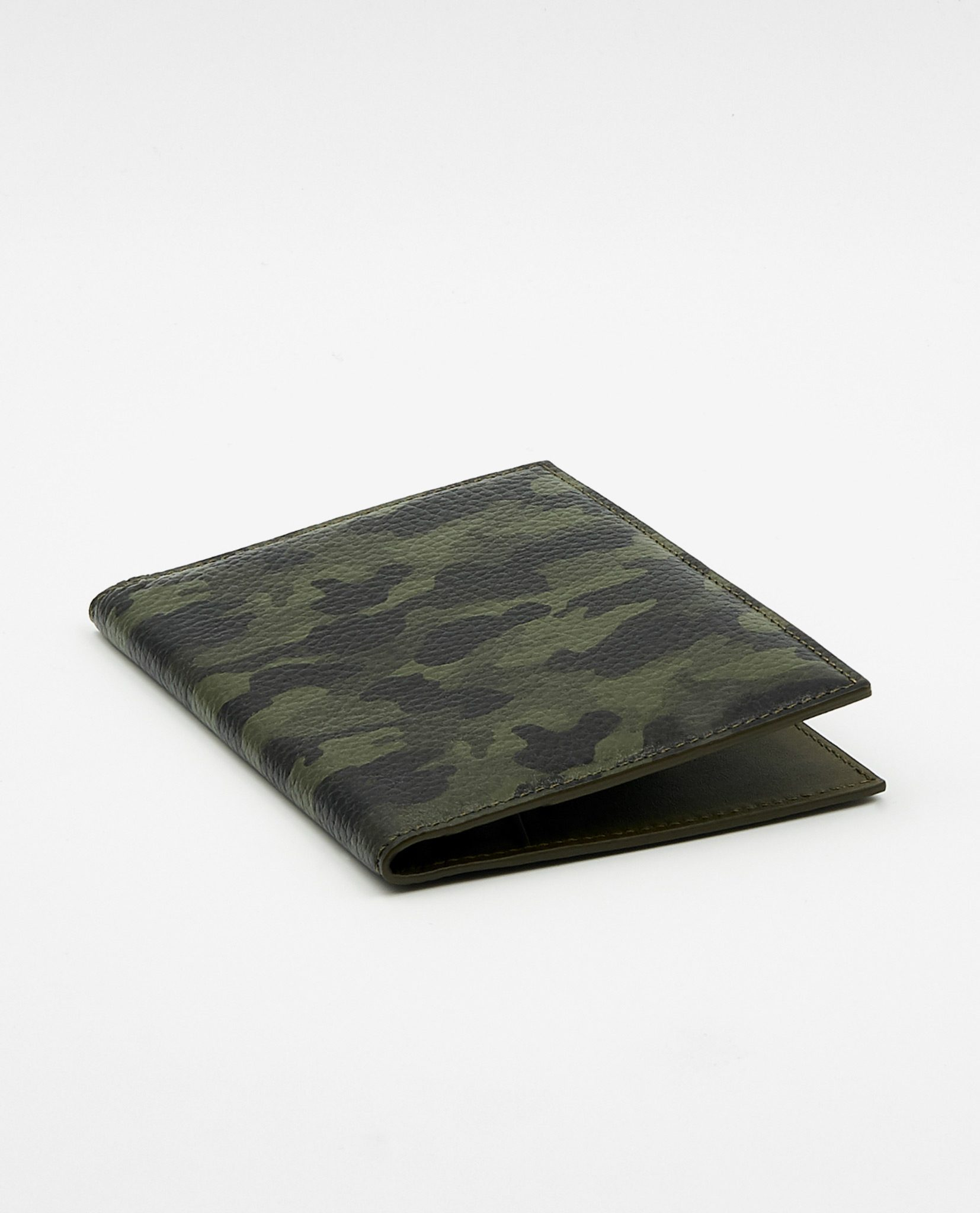 Soofre Grainy Leather Passport Holder Color Camouflage Khaki