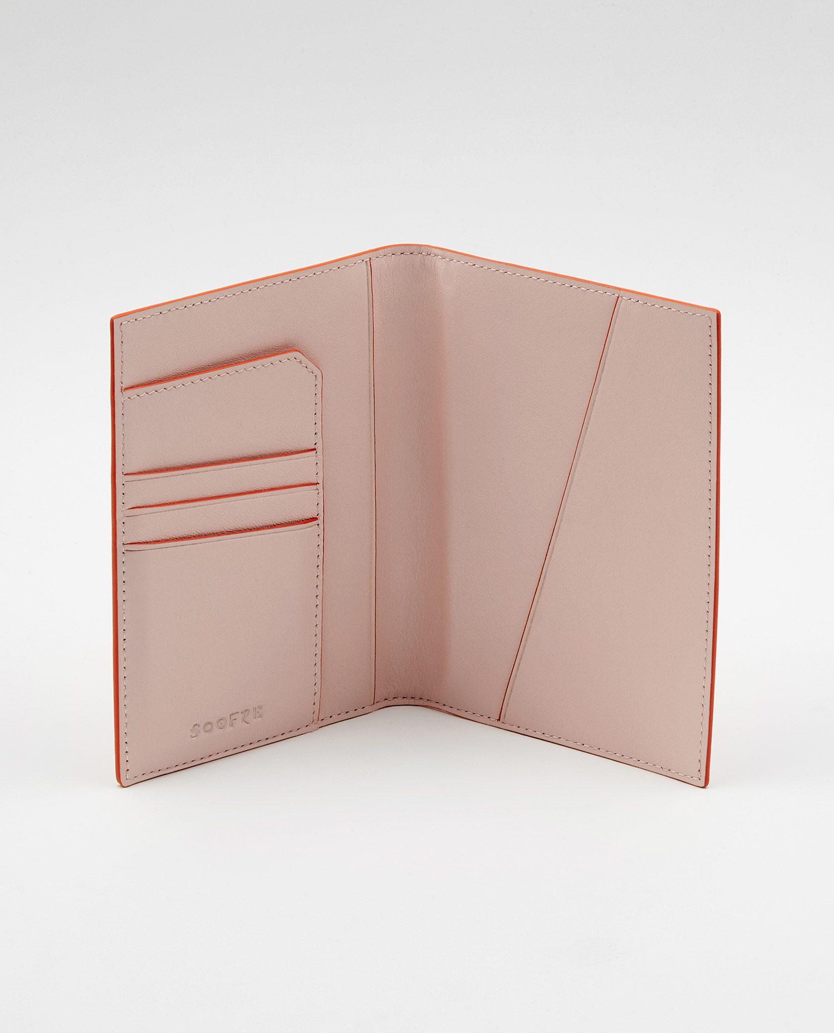Soofre_Passport-Holder_Coral-Blush-2n