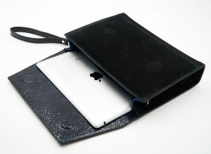 Soofre_Clutch-iPad-Pocket