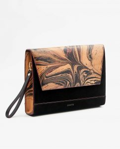 SOOFRE-Berlin-unique-Clutch-marble-black-burgundy-black-SIDES